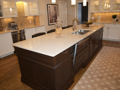 This kitchen is tastefully designed and virtually timeless. This is not a kitchen that will look dated, even when it is…