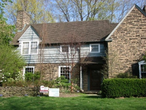 Beautiful home in Shaker Heights, OH that trusted the contractors at the Beard group to replace their exterior siding