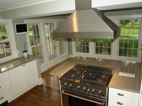 Pro-Style range and hood installation, Cleveland Heights, Ohio